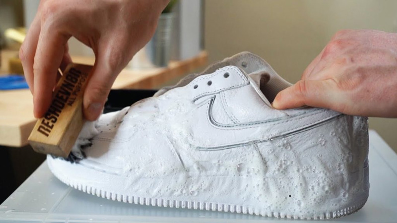 Способы почистить подошву кроссовок - 5