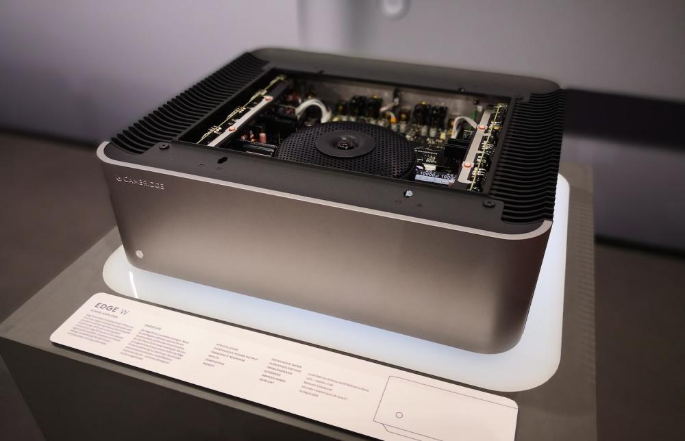 Усилитель мощности Cambridge Audio Edge W