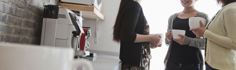 фото капсульной кофемашины в офисе