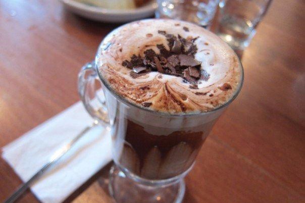 фото готового кофе из капсульной кофемашины