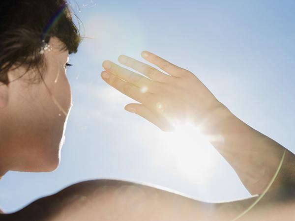 Позаботьтесь о защите кожи от солнца
