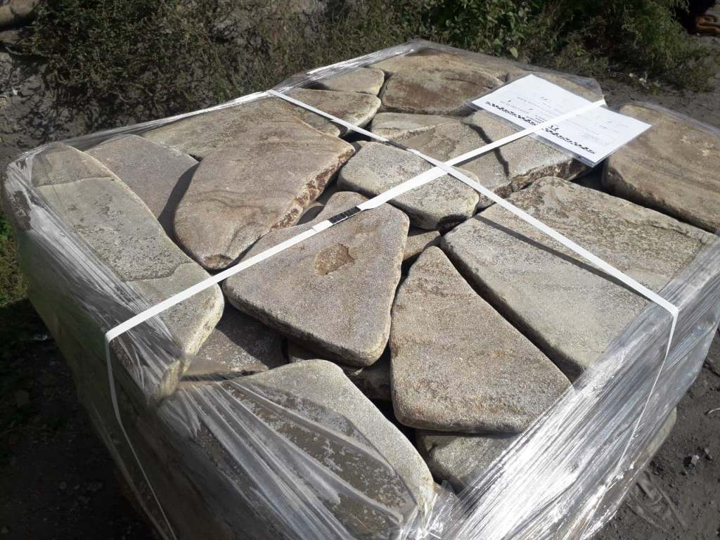 камень с Ростовского карьера галтованный