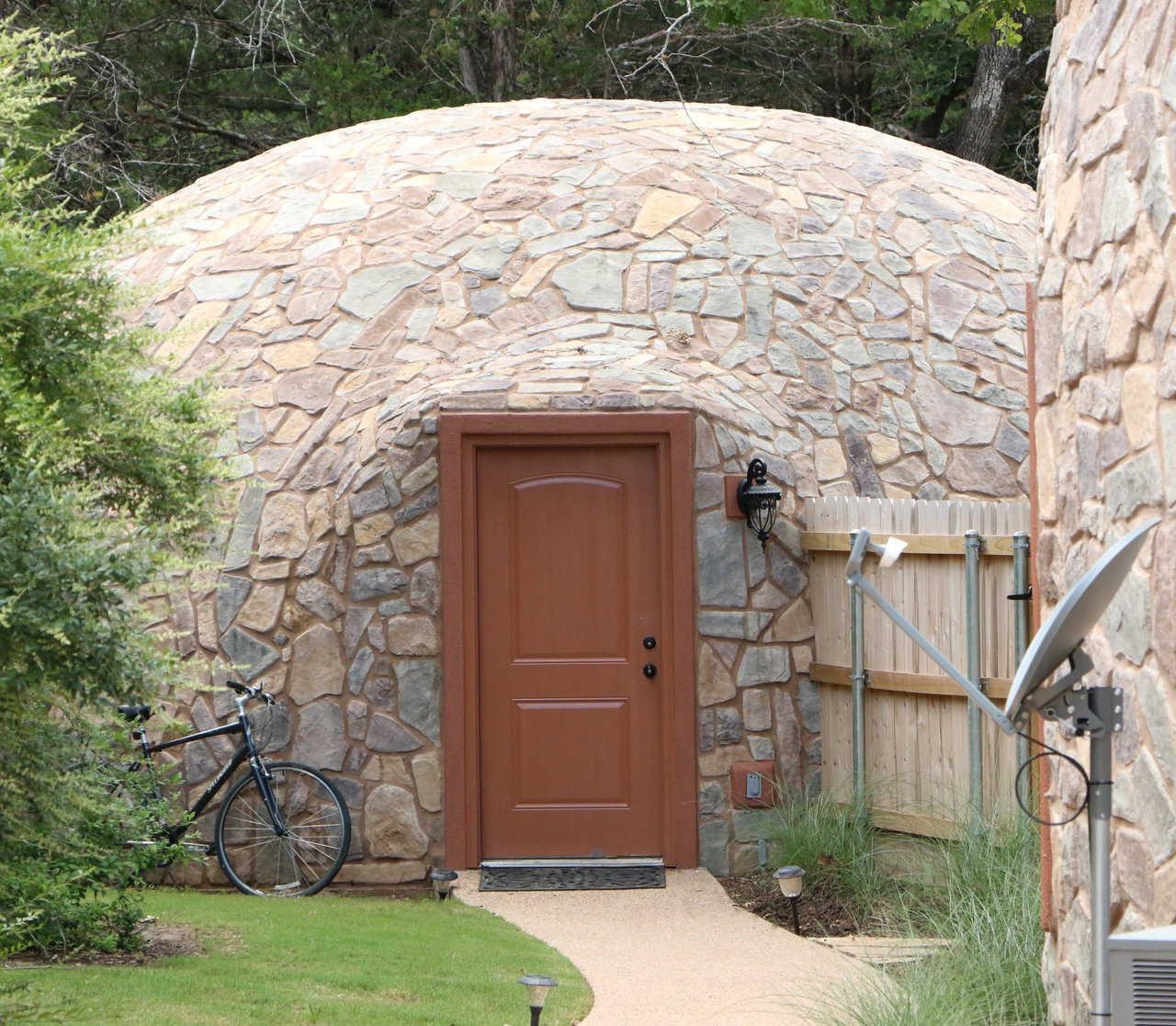 вход в купольный дом
