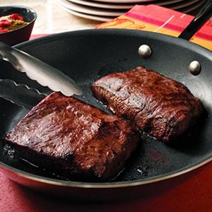 Обжарим кусок говядины