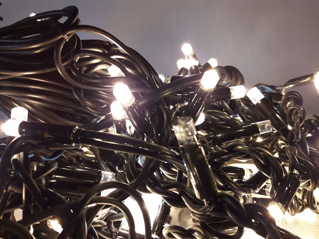 Провод гирлянды бахрома теплый белый цвет 2 м на 0,5 LED каучук