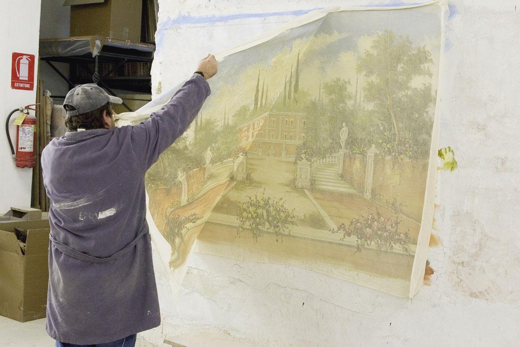 фреска и потолочный плинтус