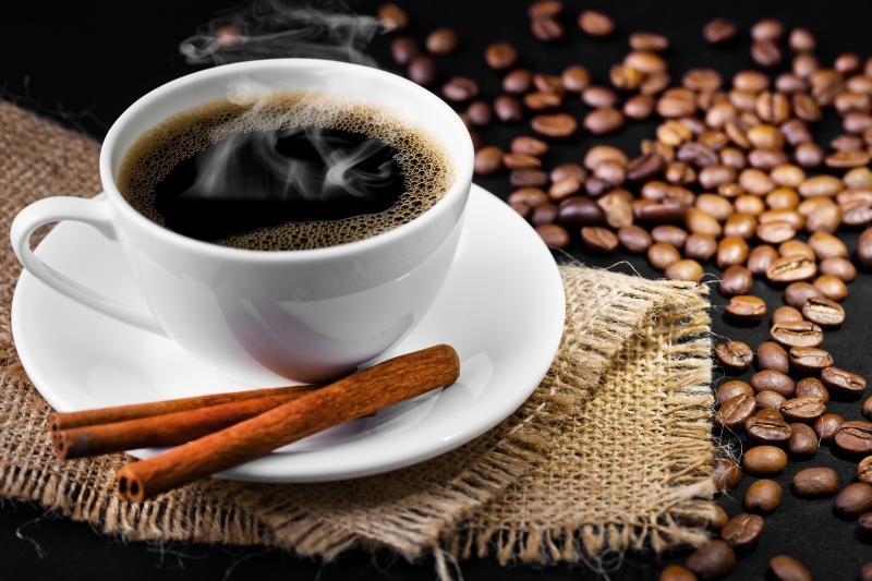 приготовление кофе с корицей фото