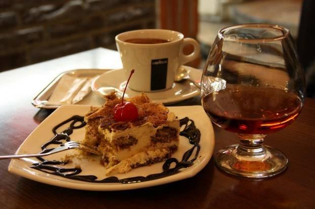 приготолвение кофе с коньяком фото