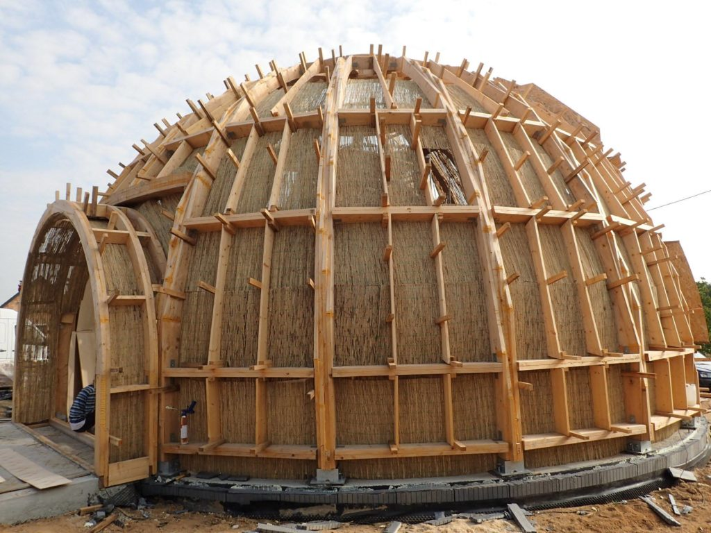 Стратодезический купольный дом