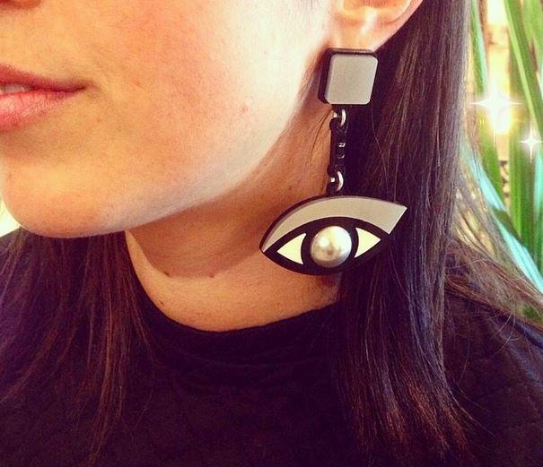 серьги в форме глаз из коллекции Tokens of My Affection от Jennifer Loiselle