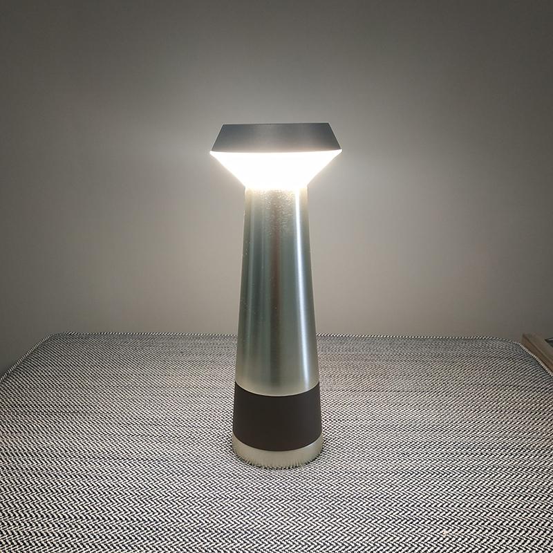 Светильник Pharo от Puraluce