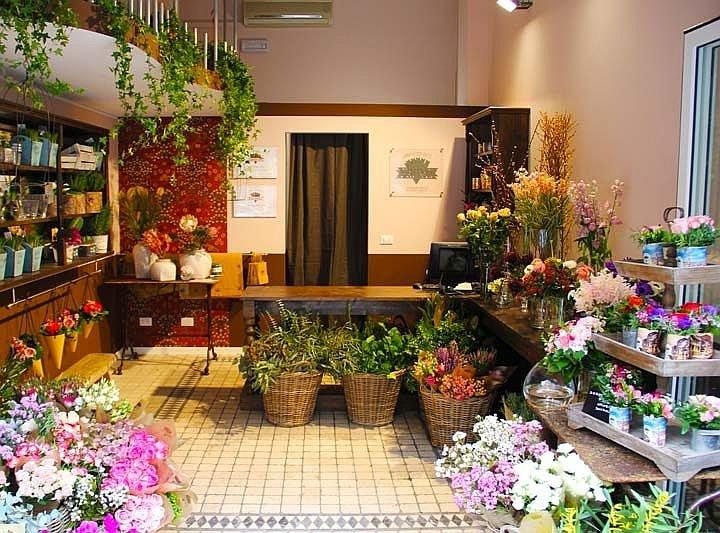 Магазин цветов должен открывать человек, имеющий опыт в данной сфере