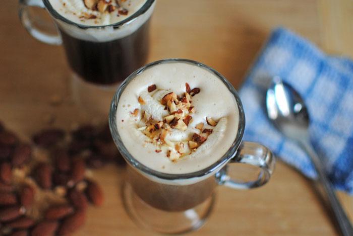 приготолвение кофе амаретто фото