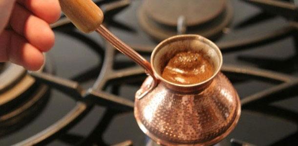 приготолвение восточного кофе фото
