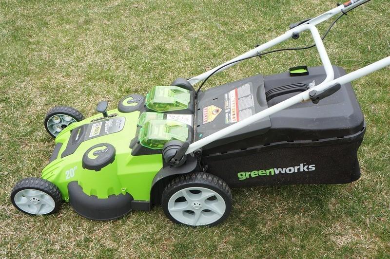 Газонокосилка Greenworks 40V G-Max попала в рейтинг лучших инструментов
