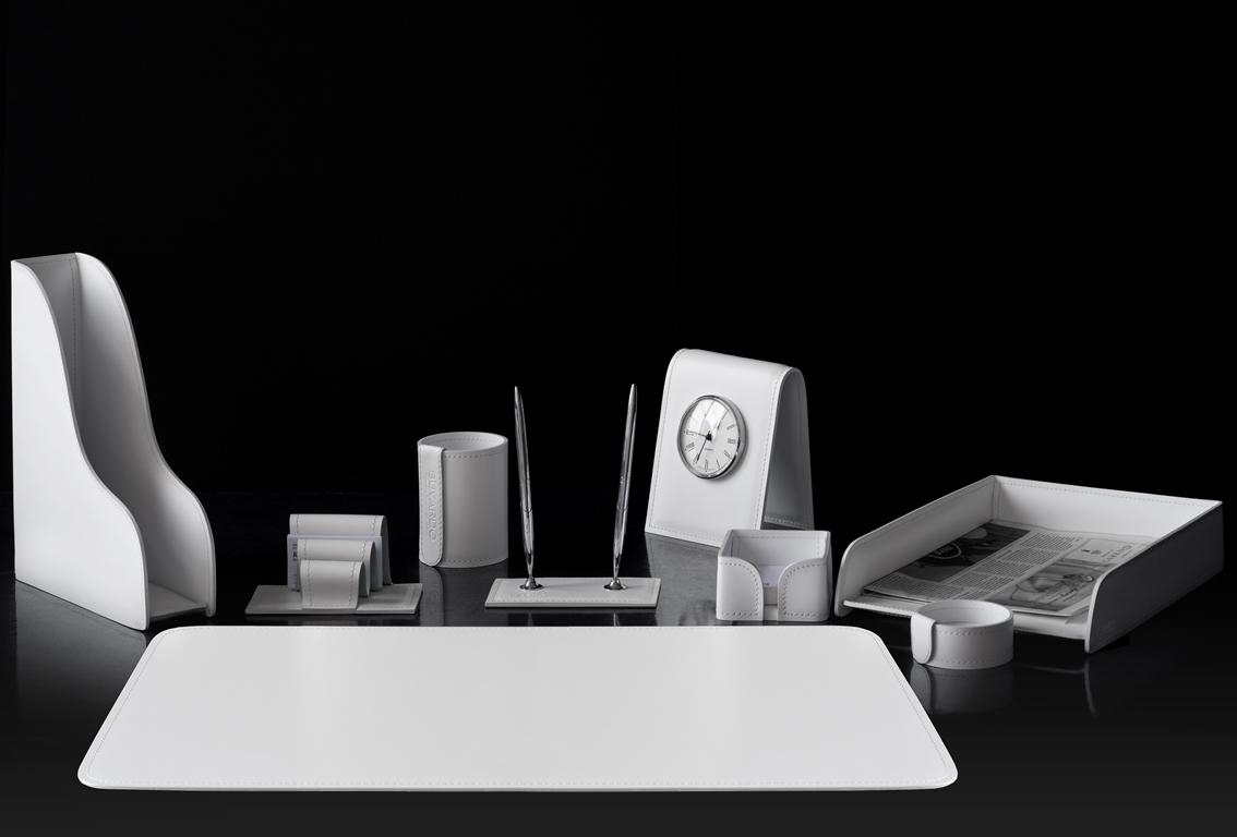 белый кожаный набор в кабинет с часами buvardo vipnabor