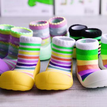 Какую обувь для малышей от 1 года выбрать