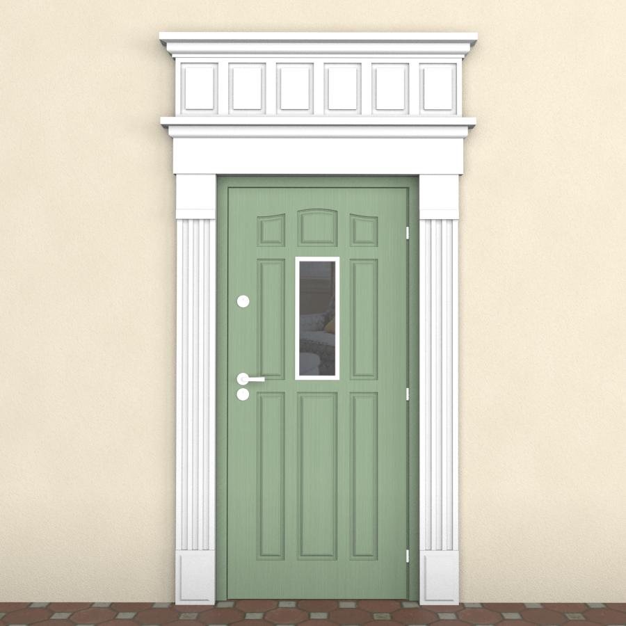 Дверь с наличником на фасаде дома