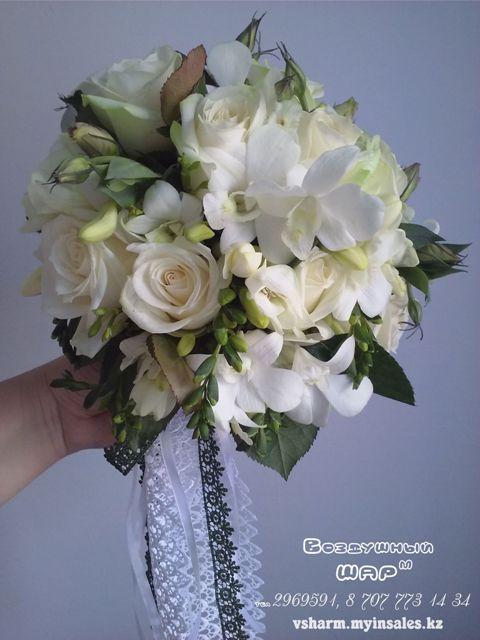 букет_невесты_из_белых_роз.jpg