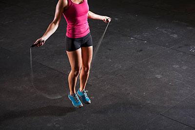 Фото упражнение со скакалкой для кроссфит