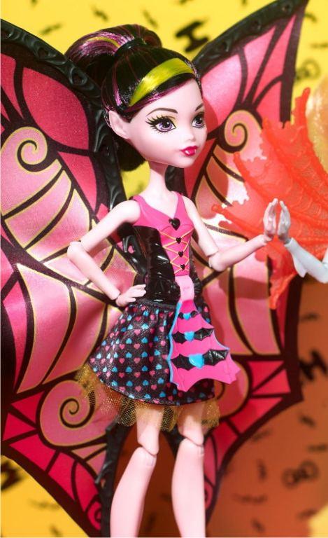 Кукла Дракулаура из серии Превращения
