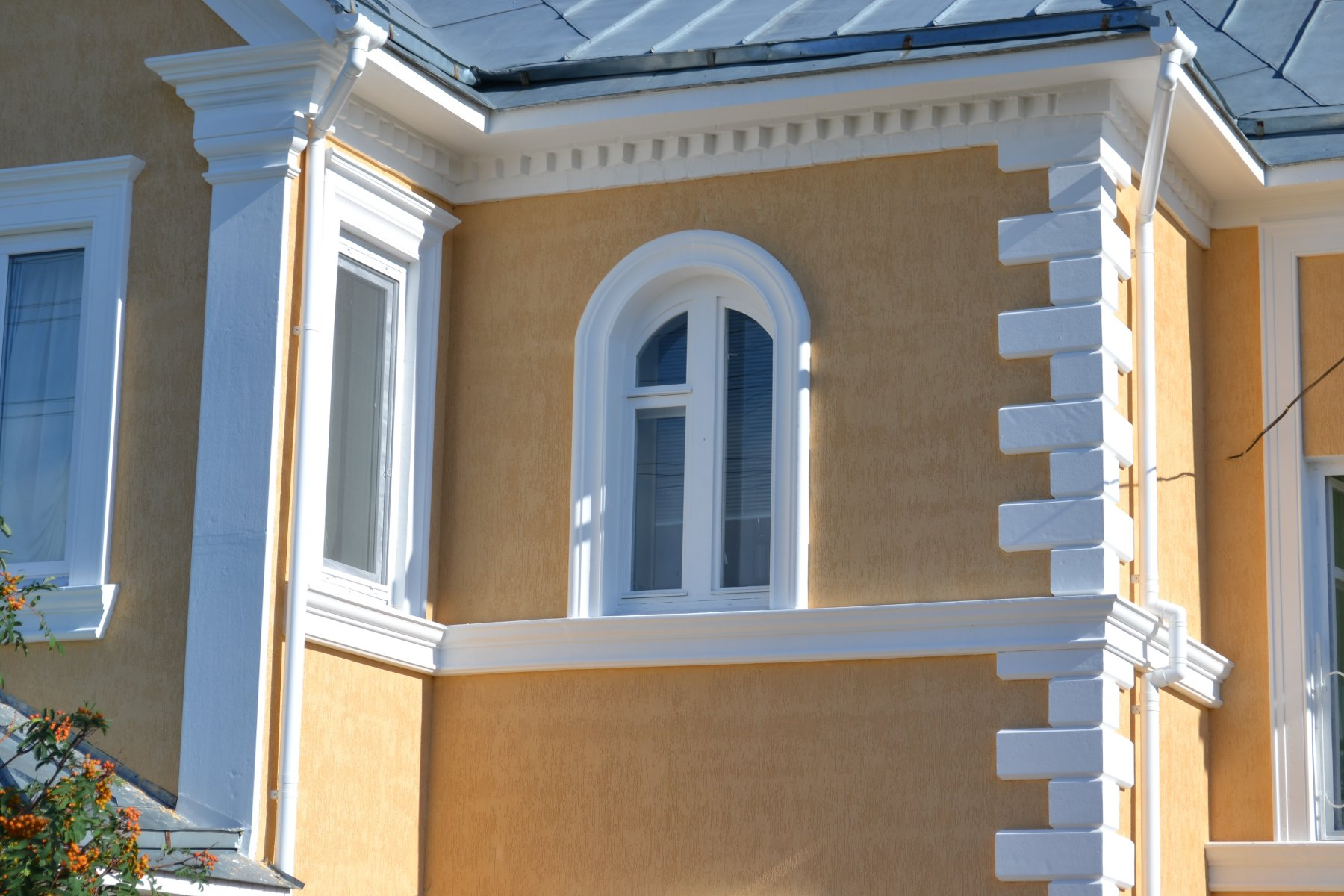 Карниз фасадный