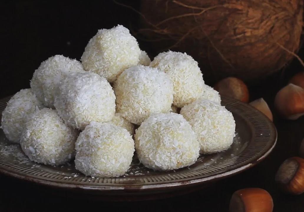 рафаэлло из фундука и кокосовой стружки