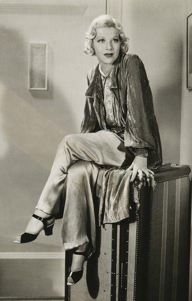 Гленда_Фаррелл_пижама1935.jpg