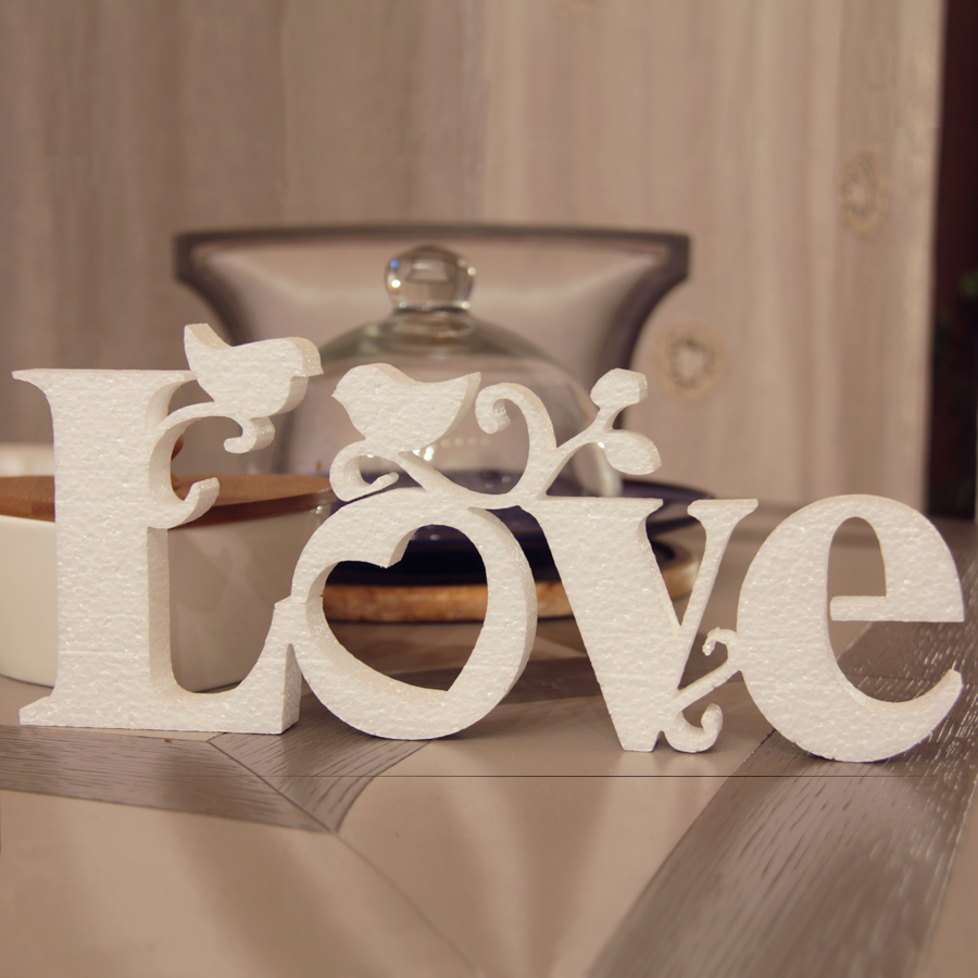 Надпись Любовь на английском языке