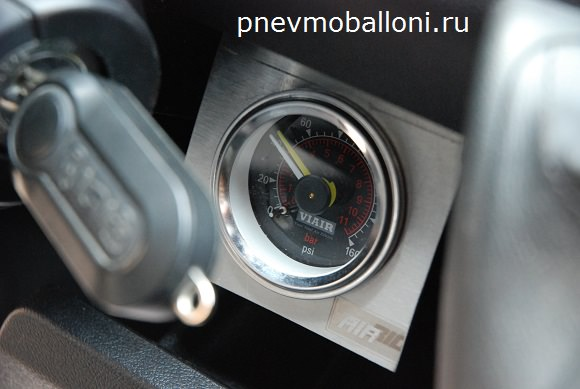 boxer_s_pnevmopodveskoy_manometr_pnevmoballoni.ru_mini_1_.jpg