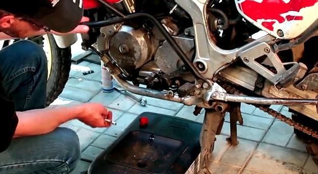 Как заменить антифриз в мотоцикле