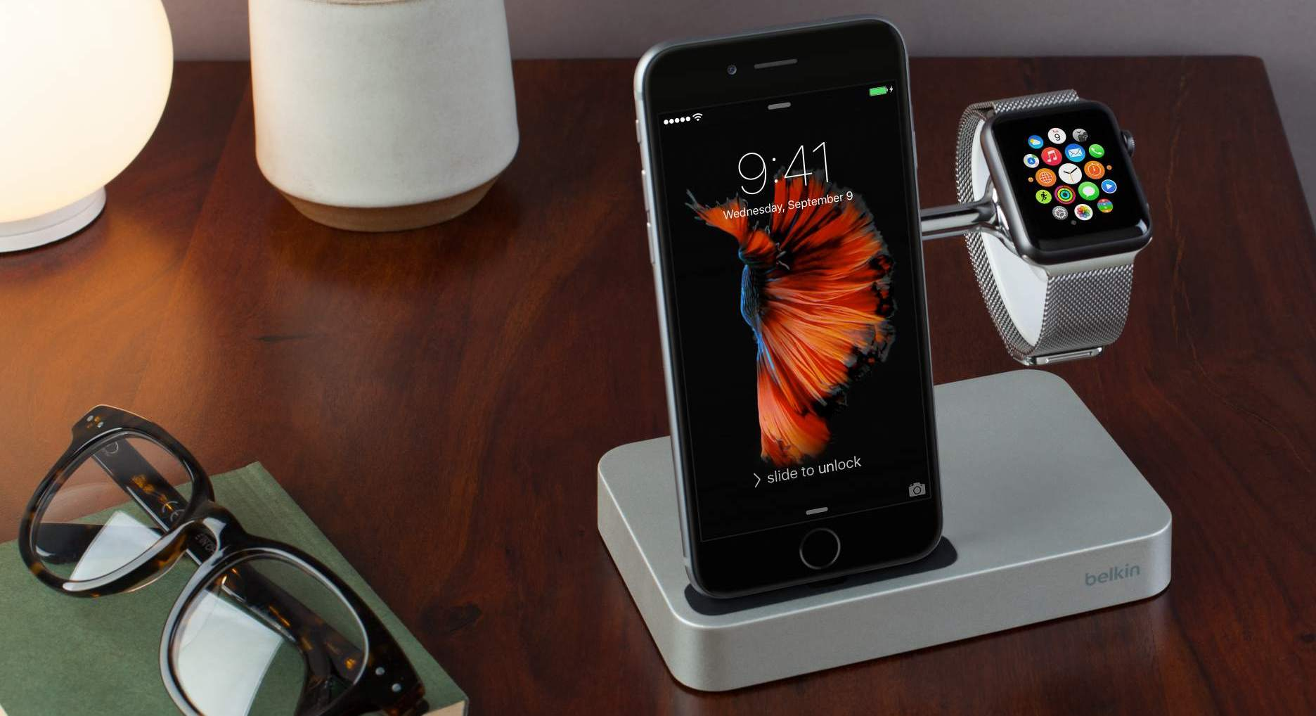 Зарядная док-станция Belkin Watch Valet Charge Dock для Apple Watch и iPhone.