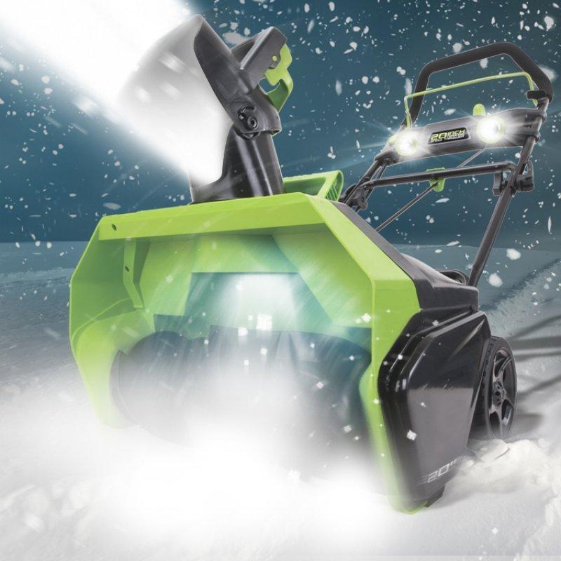 Аккумуляторный снегоуборщик Greenworks – удачная покупка к зимнему сезону