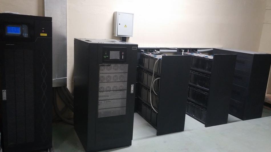 Трехфазные ИБП Gewald Electric HT3380 и KR3340 c батареями 100 Ач