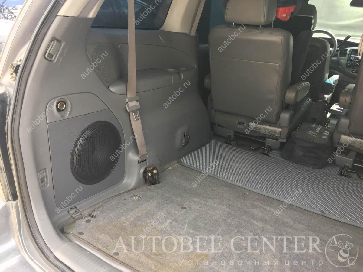 Mazda MPV (Сабвуфер Стелс)
