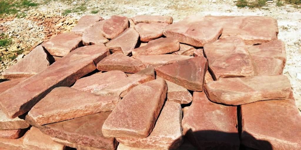 Песчаник галтованный Ручейник Терракот красный