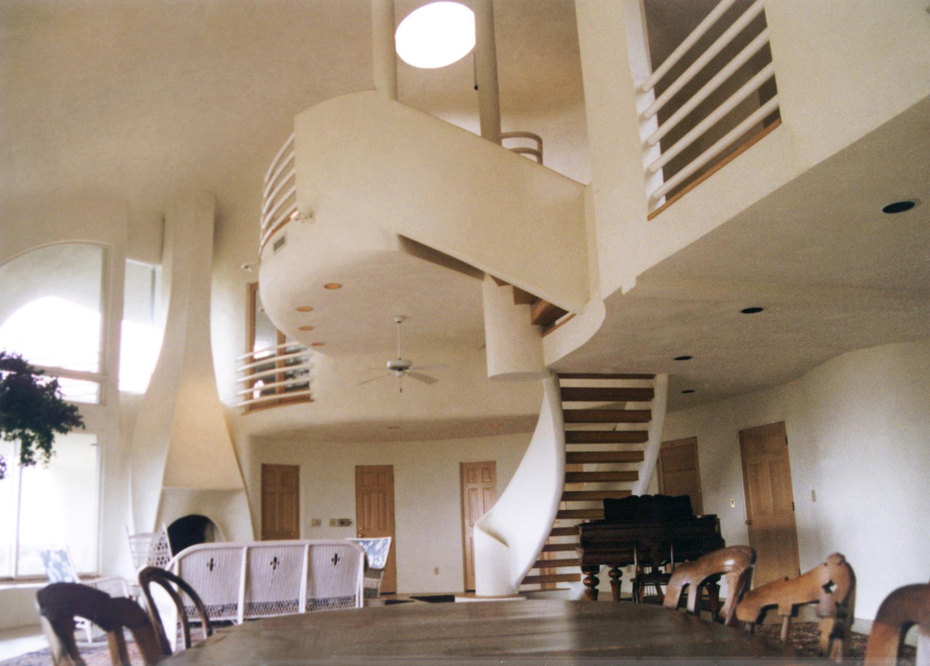 Так выглядела гостина, сразу после строительства.