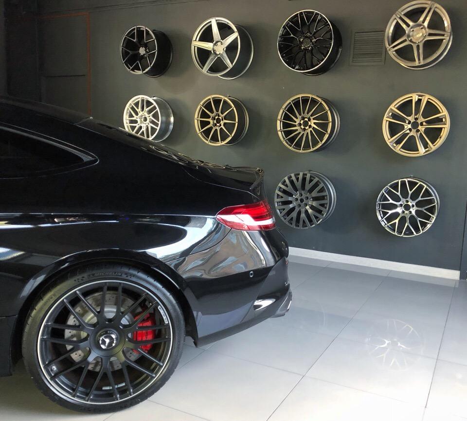 Hodoor Wheel Wall