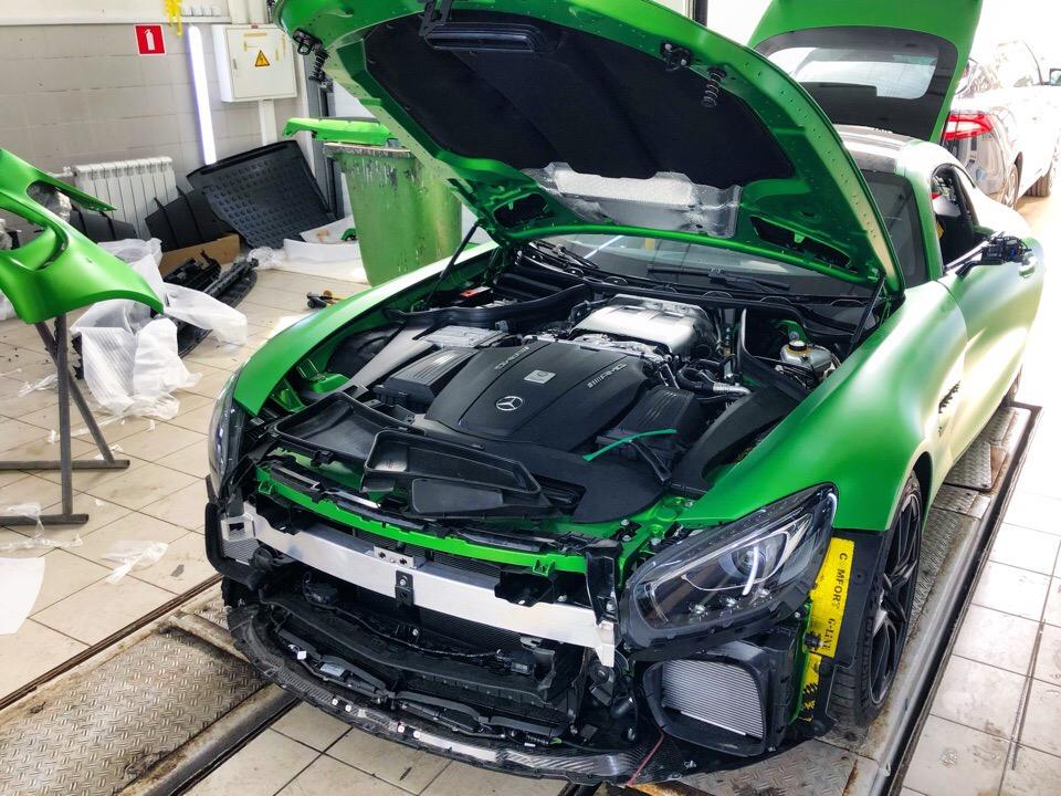 Mercedes AMG GT Green Heli