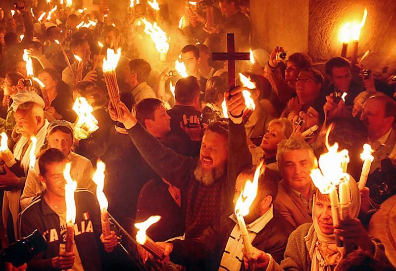 Радость от сошествия Благодатного Огня у гроба Господня