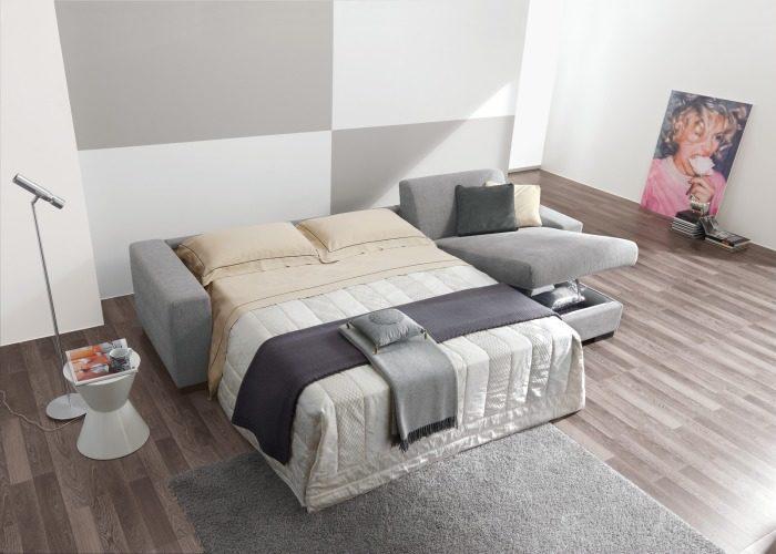 Большой диван-кровать