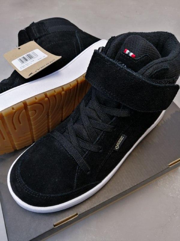 Ботинки Viking купить для мальчика можно в интернет-магазине Viking-Boots.
