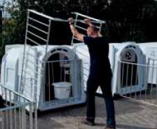 Уборка индивидуального домика для телят большого размера XXL