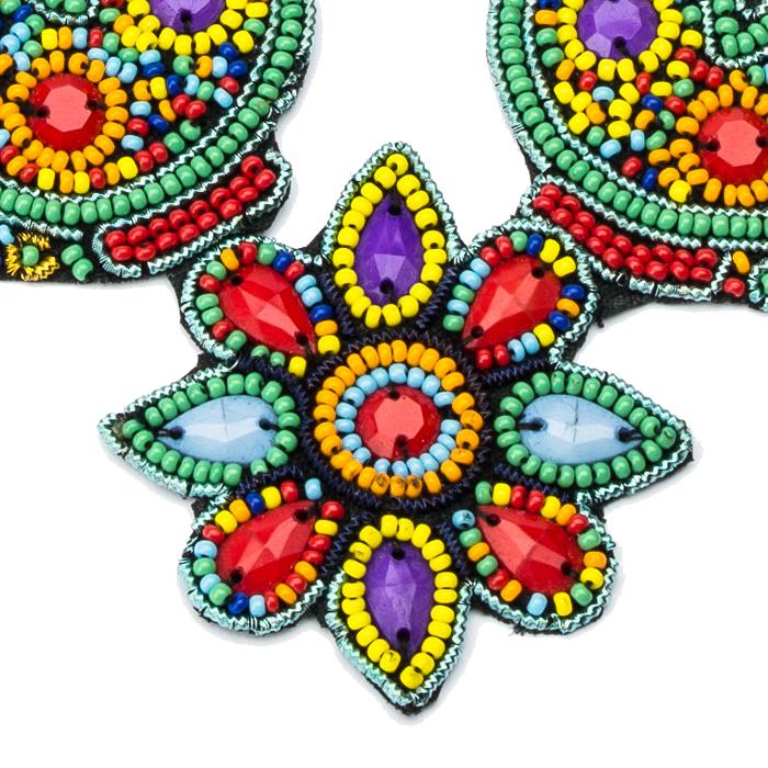 Ожерелье из бисера и кристаллов