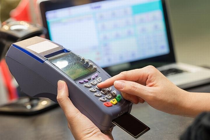 Эквайринговый терминал может повысить уровень продаж на 20-40%