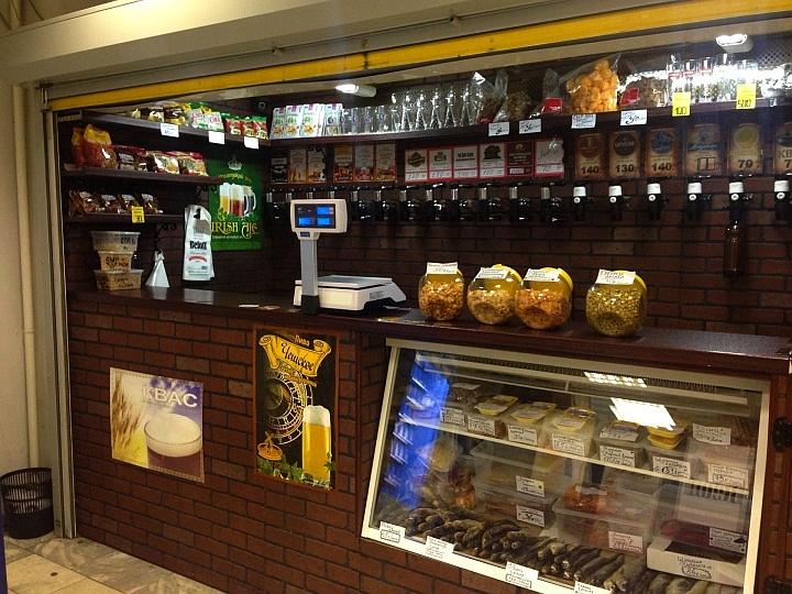 Ассортимент товаров в магазине разливного пива обычно невелик