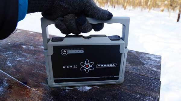 Пусковое устройство Aurora Atom 24 (Аврора Атом 24) заведет двигатель в лютый мороз