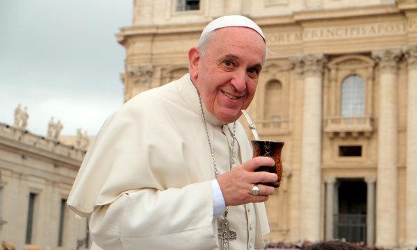 Папа римский и мате.jpg