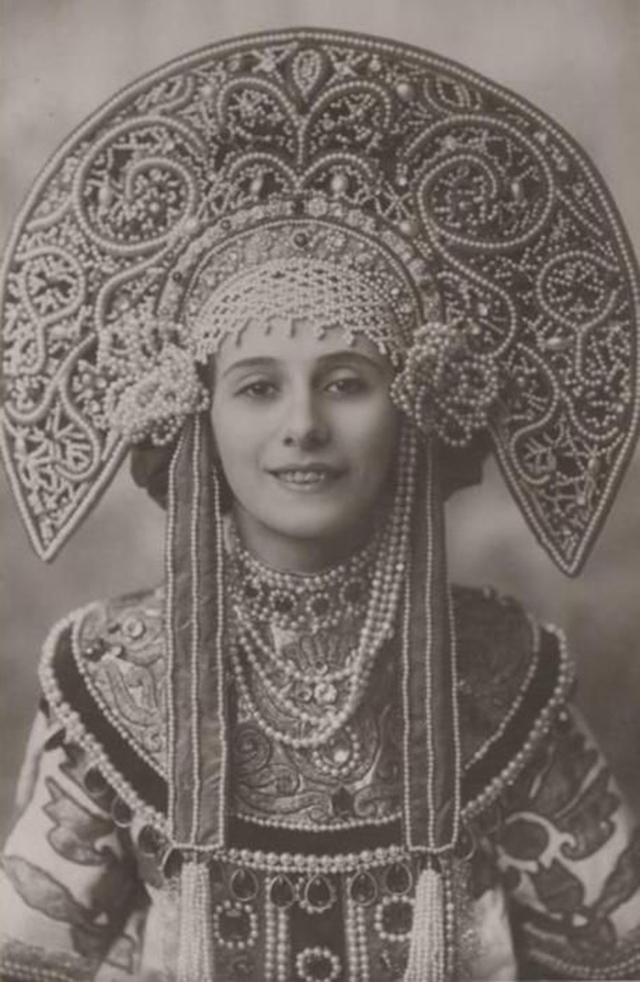 Балерина Анна Павлова и её сценический костюм.