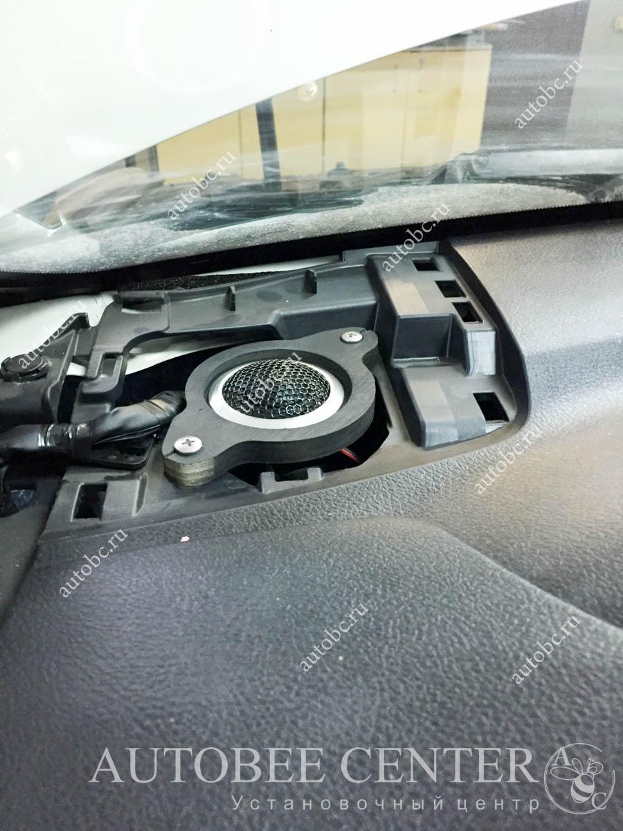Toyota Camry (установка музыки SQ)